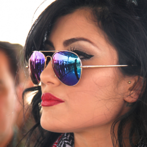 Photographie de Helly Luv prise lors d'une visite aux troupes kurdes(Peshmergas)de la base de Dohuk le 5 juillet 2014 – 5 femmes pour célébrer la Journée internationale des femmes